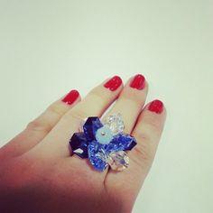 Серебряное кольцо с кристаллами swarovsi