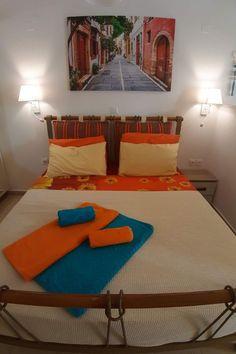 Łóżko w apartamencie Studio, Bed, Life, Furniture, Home Decor, Crete, Decoration Home, Stream Bed, Room Decor