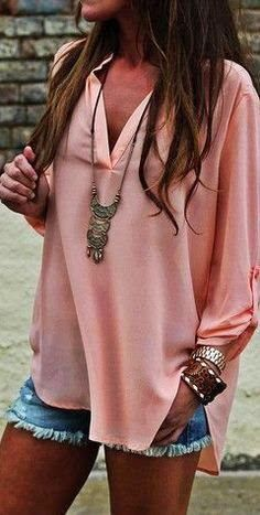Love the color and style of the top! Find More at => http://feedproxy.google.com/~r/amazingoutfits/~3/Nl05chFDBI0/AmazingOutfits.page