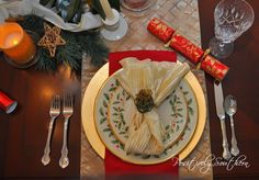 Positively Southern: The Dining Room Dressed For Christmas Christmas China, Table Manners, Christmas Decorations, Table Decorations, Dining Room Furniture, Tablescapes, Table Settings, Tableware, Crafts