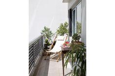 """""""El balcón es mi lugar preferido, porque es amplio y tengo mis plantas y una reposera para tomar el café a la mañana mirando el cielo"""".  /Magalí Saberian"""