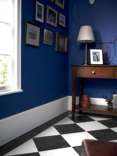 SIGNATURE CLASSIC Black and white chequerboard floor designs are a timeless classic for entrances, hallways, bathrooms and kitchens. Create your stunning floor with Signature Black Cleft Slate and Frost White. Available from Rodgers of York Vinyl Flooring Kitchen, Wood Laminate Flooring, Bathroom Flooring, Checkerboard Floor, Luxury Flooring, Luxury Vinyl Tile, Floor Design, Quality Furniture, Timeless Classic