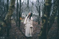 0.5_creative_portrait_forest_rainy_raindrops_winter_wet_day_long_hair_dress_lace_ethereal_dreamy_romantic_nikon_d800_50mm_natural_light_pose_posing_artistic_clonmel_ireland_tipperary_photography_photographer