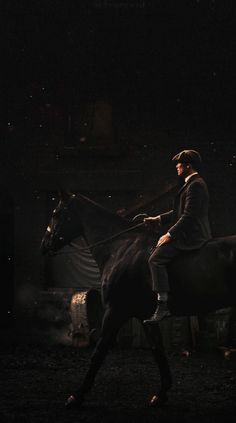 Shelby and Horse Peaky Blinders Tv Series, Peaky Blinders Poster, Peaky Blinders Season, Peaky Blinders Wallpaper, Peaky Blinders Quotes, Peaky Blinders Tommy Shelby, Peaky Blinders Thomas, Cillian Murphy Peaky Blinders, Horse Wallpaper