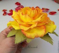 Броши ручной работы. Ярмарка Мастеров - ручная работа Роза из фоамирана.Цветы из ревелюра. Украшения.. Handmade.