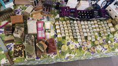 Produse Cosmetice Naturale facute Handmade in Romania din extracte de plante, fructe, flori, uleiuri esentiale si minunati ale stupului.