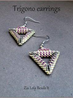 "Fun beginner Triangle Earrings pattern - nice ""bail"" & pattern enchances design ~ Seed Bead Tutorials"