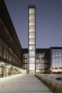 Gallery of Vaughan City Hall / KPMB Architects - 7