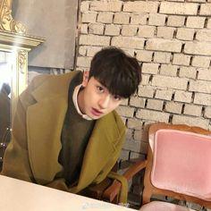 Save = Follow Trân Kawaii♥ O Drama, Happy Pills, Tumblr Boys, Ballroom Dance, Ulzzang Boy, Pretty Wallpapers, Asian Actors, China, Aesthetic Iphone Wallpaper