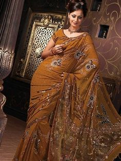 Brown Saree Best For Parties!   #DesignerSarees #Sarees #6Yards #Shades