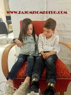 Lucas e Ivana han venido a visitarnos desde Suiza ❤ Nos chiflan las visitas de #bellezones (niños 6-10 años 15€)(niñas de 6-10 años 20€)   #swiss #switzerland #barcelona #barcelonacity #children #nens #peluqueriabarcelona #peluqueria #bcn #corteniño #corteniña