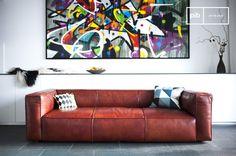 Interamene realizzata in pelle pieno fiore, il Krieger ha un chiaro e sobrio stile vintage che aggiunge eleganza a qualsiasi soggiorno.