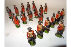 Britains British Indian Army Infantry FIRST VERSION at the trail, oval bases, set 67, 1st Madras
