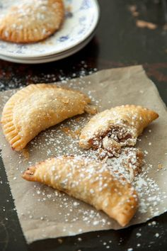 Paula Deen Pecan Pie Pockets, I wonder if we could use this recipe but make them taste like the Amish fruit fry pies. Pie Recipes, Sweet Recipes, Dessert Recipes, Cooking Recipes, Just Desserts, Delicious Desserts, Yummy Food, Yummy Treats, Sweet Treats