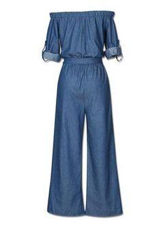 Macacão pantacourt em jeans. Decote ombro a ombr, com amarração na cintura e manga longa. Confortável e versátil. Pode-se montar um lindo look casual e chique.