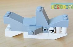 LEGO Shark instruction step by step from lego classic bricks Lego Duplo, Legos, Shark Lego, Lego Therapy, Construction Lego, Classic Lego, Lego Activities, Toddler Activities, Lego Club