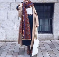 langer Trenchcoat-Winter-Hijab- Winter-Hijab-Mode-Outfits www. langer Trenchcoat-Winter-Hijab- Winter-Hijab-Mode-Outfits www. Abaya Fashion, Muslim Fashion, Modest Fashion, Trendy Fashion, Casual Hijab Outfit, Hijab Chic, Winter Mode Outfits, Winter Fashion Outfits, Fall Fashion