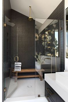 White Bathroom Ideas - Prior to you start embellishing an all-white bathroom, there are a couple of points you need to know. An expert shares her essential white bathroom . Zen Bathroom, Master Bathroom, Bathroom Faucets, Bathroom Plans, Brown Bathroom, Downstairs Bathroom, Bathroom Rugs, Bathroom Renovations, Modern Bathroom Design
