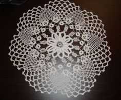 Crochet Mandala, Crochet Art, Crochet Doilies, Chrochet, Diy And Crafts, Bingo, Istanbul, Salons, Crochet Circles