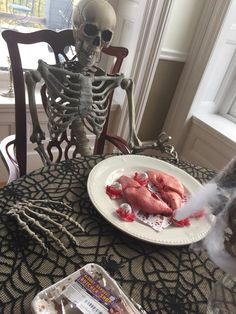 Norumbega Inn, Camden Maine. This gives a whole different meaning to 'Dinner at the Inn'. Reserve YOUR spot for next year's Halloween dinner??