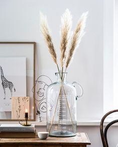 Vase Measurement 5000 ml Vt Wonen Bohemian Interior, Interior Styling, Interior Decorating, Apartment Interior, Vases Decor, Dried Flowers, Home Decor Inspiration, Flower Decorations, Living Room Decor