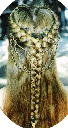 heart braid with twisted ropes hairstyle