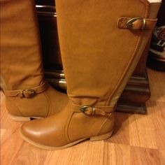 Boots NWOT tan boots goring in back for extra stretch top buckle also has some stretch this are 8 wide so shaft of boot is wider than a medium size Baretraps Shoes Over the Knee Boots