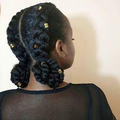 """@gwena_ebene ➿B R A I D S & T W I S T E D B U N S➿ Hey je vous avais dit que les petits bijoux dorés allaient y passer aussi ! A chaque fois que je vois mes cheveux en photo, j'ai toujours un petit moment de surprise : """" ce sont mes cheveux ça ?! """" . Je fais partie de celles qui ne sont jamais satisfaite de leurs cheveux : """"je voudrais plus de volume, plus de masser et bla bla bla...""""  Les photos me rappellent alors pourquoi je les aime...  . #protectivestyles #naturalhair"""
