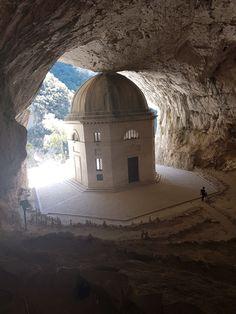 Near grotte di frasassi