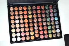 Hot Earth 88 Eyeshadow palette