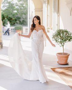Wedding Dress: Steven Khalil - http://www.stylemepretty.com/portfolio/steven-khalil Photography: Facibeni Fotografia - photographertuscany.com   Read More on SMP: http://www.stylemepretty.com/destination-weddings/italy-weddings/2016/08/27/an-intimate-elegant-wedding-in-florence/