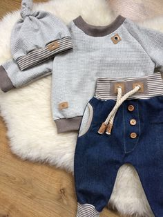 Baby outfits summer little girls 21 best ideas Baby Boy Fashion, Kids Fashion, Sweat Gris, Baby Kids Clothes, Summer Clothes, Baby Sewing, Kind Mode, Baby Boy Outfits, 1 Year