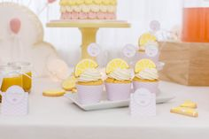 Foto Silvia / Candid moments Candid, Place Cards, Place Card Holders, In This Moment, Pink, Lemon Yellow, 1 Year Birthday, New Babies, Invitations