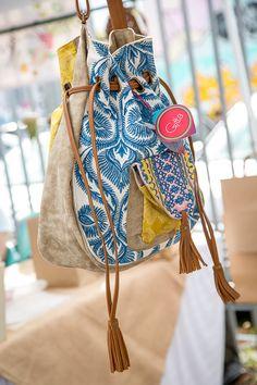 Ref Incana. Bucket Bag, Bags, Fashion, Handbags, Moda, La Mode, Dime Bags, Fasion, Lv Bags
