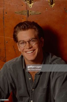 News Photo : Michael Weatherly promotional photo for the soap. Opera News, Abc Photo, Michael Weatherly, Couple Aesthetic, Photo Archive, Soaps, Promotion, Hand Soaps, Lotion Bars