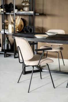 Mango Wood Dining Table, Dining Chairs, Style And Grace, Metallic Paint, Painting On Wood, Wood Furniture, Modern Design, Beige, Interior
