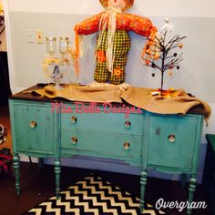 Shabby old buffet painted in shabby paints dynasty blue!
