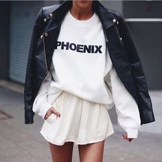 Nowadays, most people praise for comfort. And the sporty style is here to prove that. This is why the sweatshirt is a trend. So, stop thinking that it's a clothing piece to wear only at home.
