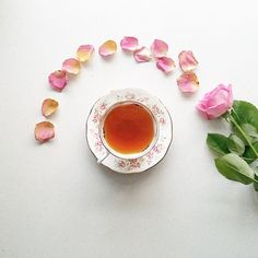 Tea... roses... faffing... oh yes it's Friday