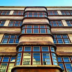 """""""Sitting in the Dschungel, on Nürnberger Strasse"""" Another Logopaede service post.  This is the building [Architect: Chen-Kuen Lee] David Bowie is singing about in his late work """"Where are we now""""  #archilover #archdaily #architecture  #architexture #arquitectura #architectural  #abstractmybuilding #building #buildinglover #IGersBerlin #all_shots  #amselcom #LogopaedenLinien  #Minimalism #Landmark #Dschungel  #ChenKuenLee #Bowie #Berlin #instagood #ink361"""
