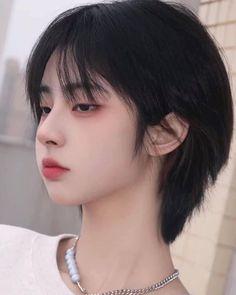 Medium Hair Cuts, Short Hair Cuts, Girl Short Hair, Shot Hair Styles, Curly Hair Styles, Shortish Hair, Ulzzang Hair, Korean Short Hair, Mullet Hairstyle