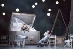 Béatrice et Bénédict at Glyndebourne Opera. Production by Laurent Pelly. Sets by Barbara de Limburg.