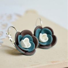 polymer clay flower earrings - handmade náušnice kvety od ketlin / petrolej a hnedá #Polymer Clay #Jewelry