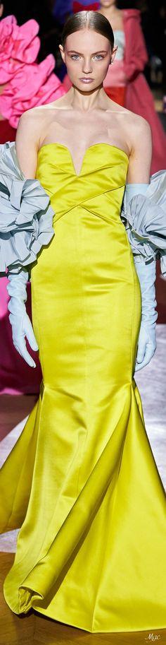 Haute Couture Paris, Valentino Couture, Spring Couture, Couture Fashion, Valentino Garavani, Fashion Themes, Fashion 2020, Fashion Show, Fashion Ideas