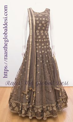 Indian Fashion Dresses, Indian Gowns Dresses, Dress Indian Style, Indian Designer Outfits, Pakistani Dresses, Bridal Dresses, Punjabi Fashion, Pakistani Bridal, Indian Bridal