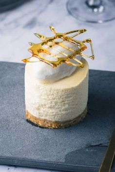 Passion dream with coconut and caramel recipe, Desserts, Passion fruit dessert from Bakeglad. New Year's Desserts, Unique Desserts, Gourmet Desserts, Gourmet Recipes, Dessert Recipes, Mousse, Tapas, New Years Eve Dessert, Bon Dessert