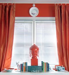 Orange is the perfect wake me up color. So fresh and contemporary