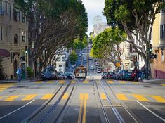 Green Road I Curves I Sun I No Traffic I Relax and Drive I Adventure I Nature I USA Life I San Francisco