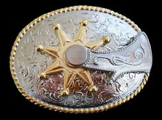 Old Western Belt Buckle with spinning Spurs on Belt Buckle. Find more old Western Belt Buckles on our cool Western Belt Buckles collection. Rodeo Belt Buckles, Cool Belt Buckles, Spurs Western, Western Belts, Rodeo Cowboys, Metal Belt, Le Far West, Fashion Belts, Cowboy And Cowgirl