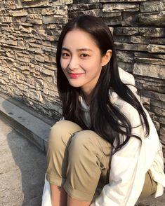 Pretty Asian Girl, Beautiful Chinese Girl, Cute Asian Girls, Cute Girls, Ulzzang Korean Girl, Cute Korean Girl, Korean Beauty Girls, Asian Beauty, Asian Makeup Looks
